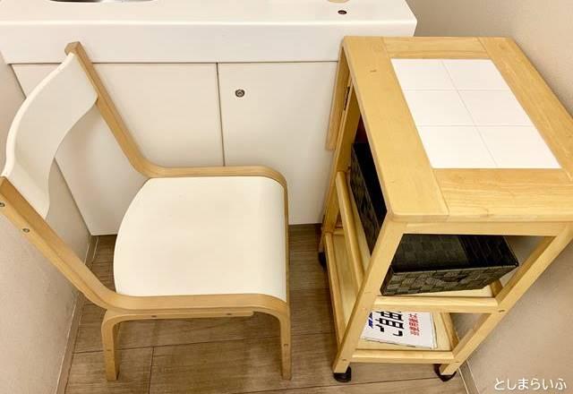 池袋ヤマダ電機 授乳室 椅子