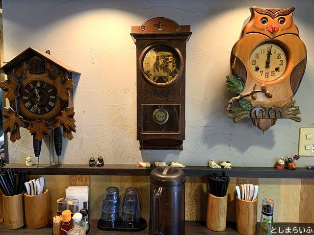 池袋 浮浪雲 内装の時計