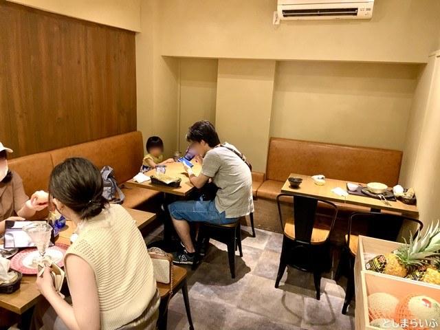 フルーツカフェ池袋果実 店内ソファ席