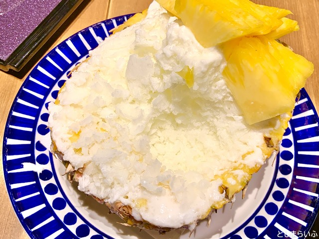 フルーツカフェ池袋果実 パインかき氷の中身