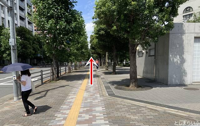池袋駅東口からイケサンパークの行き方