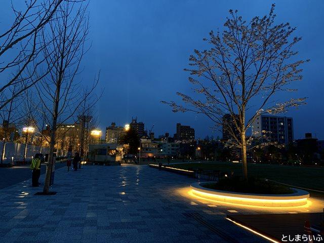 夜のイケサンパーク