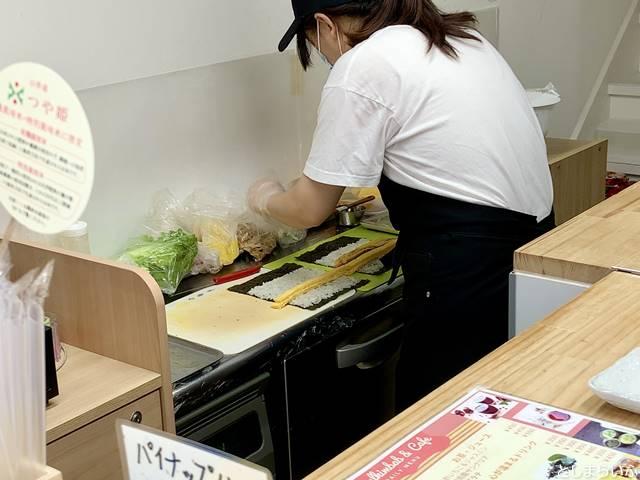 椎名町ソウルキンパカフェ キンパを作るキッチン