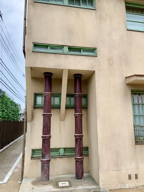 トキワ荘マンガミュージアムの裏手 トイレ配管
