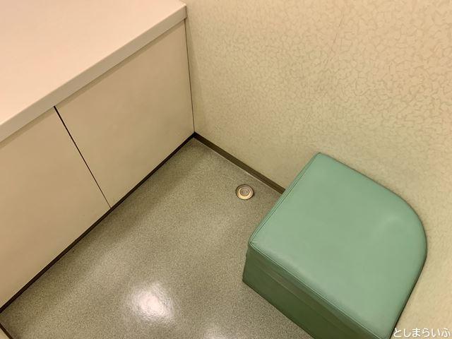 東急ハンズ池袋 授乳室の椅子